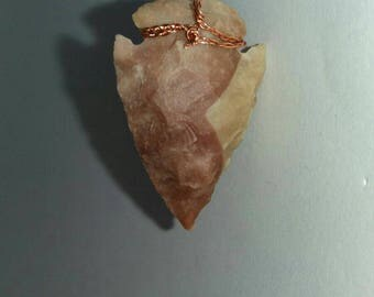 A hand made Neolithic style arrow tip pendant... FREE SHIPPING.... A8