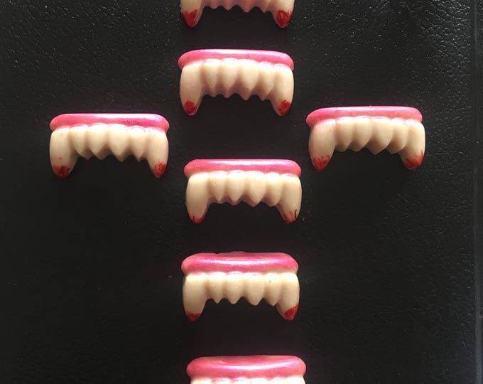 Vamp Teeth Bath Melts