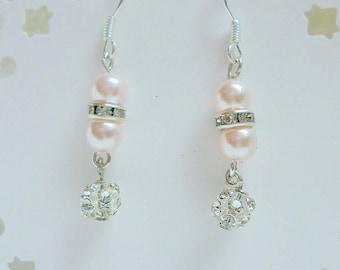 Wedding pearl earrings, Wedding earrings, bridal Jewellery, bridal earrings, pearl and rhinestones earrings, bridesmaid earrings.