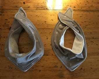 Gender neutral bandana bibs.. reversible.
