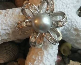 """Sterling """"Silver Pearl """" pendant"""