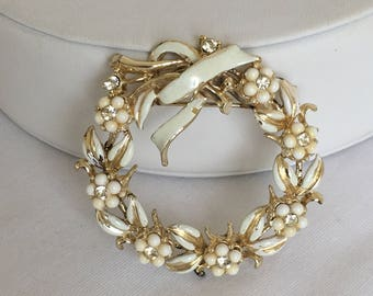 Coro White Enamel Flower Wreath Brooch, Gold Tone, Vintage, 1950s, Mid-Century, Rhinestones