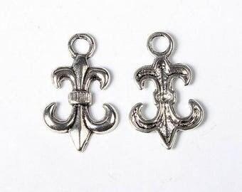 set of 10 charms fleur de lis charms pendants beads scrapbooking new