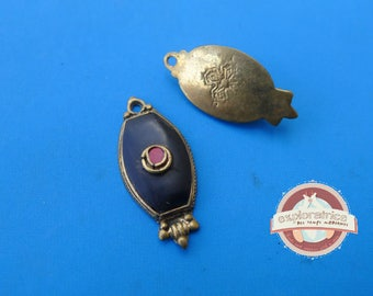 Pendant tibet nepal red and black brass oval 15x31mm