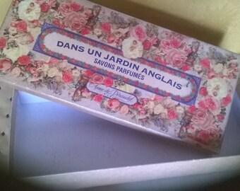 552) cardboard box