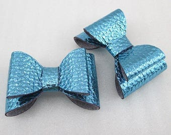 2 cute bows turquoise faux leather shiny 67 * 40mm