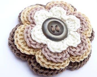 """Crocheted multicolored """"café au lait"""" flower brooch"""