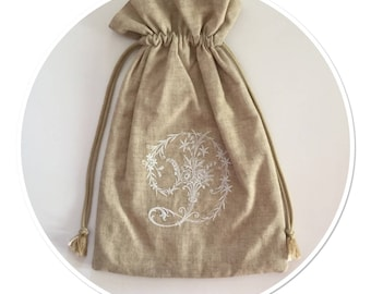 LINGERIE bag embroidered with a Victorian Monogram linen