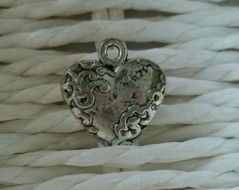 cute small heart charm silver metalle love.