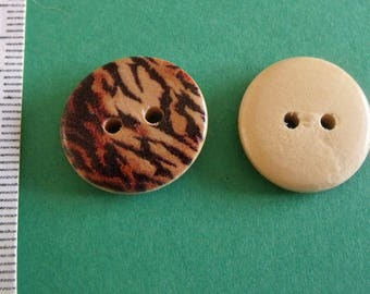set of 2boutons wooden cutout leopard 18mm in diameter