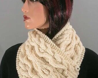 Ecru white collar, pure wool, twisted and Irish items for women