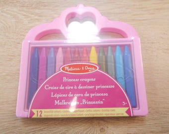 box of 12 crayons wax das box a little Princess