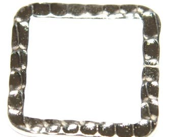 Set of 5 square silver rings