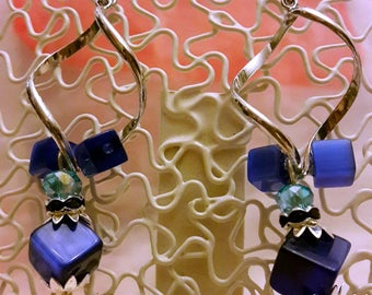 """Earrings """"twist"""" stainless steel and glass cat's eye beads"""