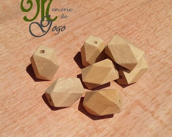 Wooden Hexagon bead natural 1.5 * 2.2 cm.