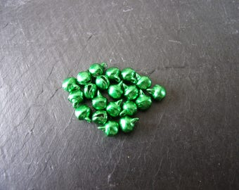 Lot 20 6x8mm green shiny bell shaped metal beads