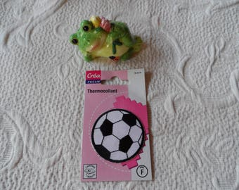applique thermocollante soccer ball round black and white seamless with iron