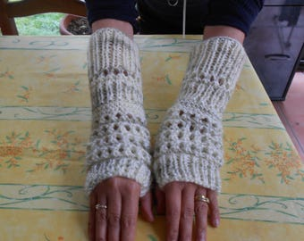 knitted fingerless mittens made of premium acrylic and polyamide