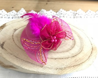 FASCINATOR hair clip Hat pink