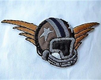 applique patch, hockey or football 9042.5 angel helmet badge vintage craft or sewing