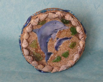 Dolphins and shell round wall decoration