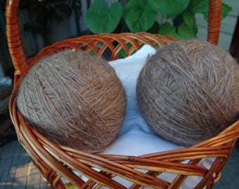 Downy brown yarn - hand spinning - goose down.