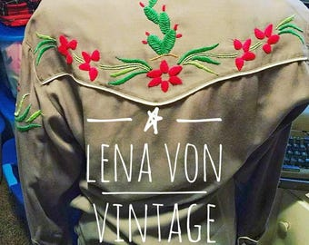 Unique Vintage Western shirt with pearl snaps and cactus motif embroidery 1960's