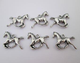 6 breloque cheval chevaux en métal argenté 19 x 15 mm
