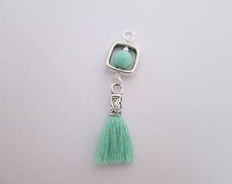 breloque boho perle, pompon coton vert d'eau 60 x 12 mm