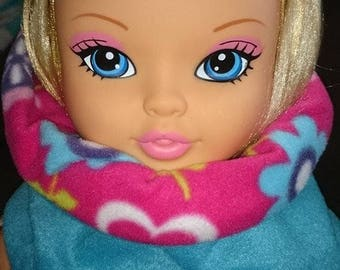 SNOOD neck amount Reversible turquoise fleece and matching pink fleece flower