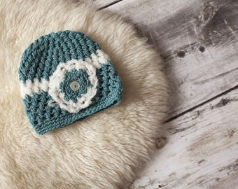 Hat in wool, blue & white, 2-3 years