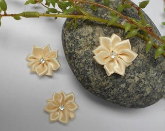 Flower in ivory satin and rhinestone - 2.50 cm - sold individually