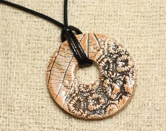 Flower and leaf 37mm Donut print ceramic pendant necklace
