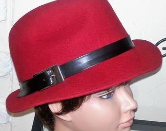 "Felt hat ""Borsalino"" style red"