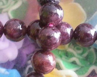 20 8 mm diameter Garnet beads, 1 mm hole