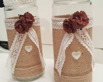 2 glass jar with hessian and lace/