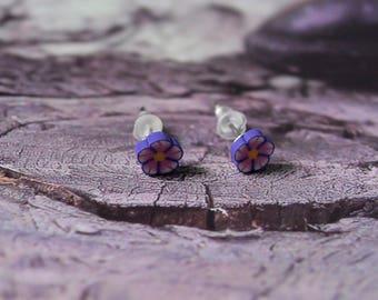 Flower stud earrings. jewel