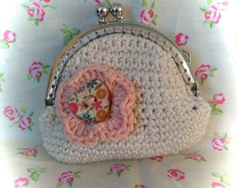 Wallet made in crochet.