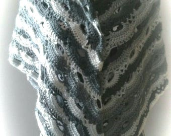 crocheted shawl Orchid shades of grey