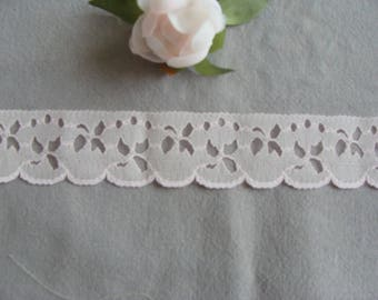 1 meter of lace pink light polyester embroidery 3.5 cm width