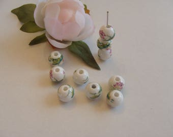 Set of 10 white pattern floral 10 mm ceramic beads