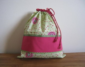 "blanket ""of flowers in bloom..."" bag for girl"
