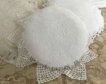 Romantic retro cushion: placemat and cloth is old vE