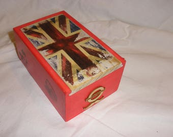 wooden box with lid blue and red, vintage English flag decor