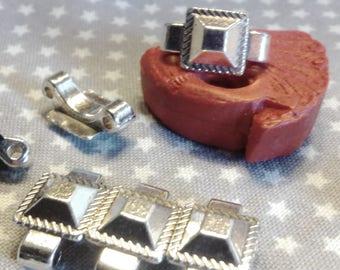 Set of 3 beautiful links connectors, antique silver, 2 holes.