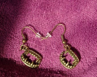 Vampire teeth earrings