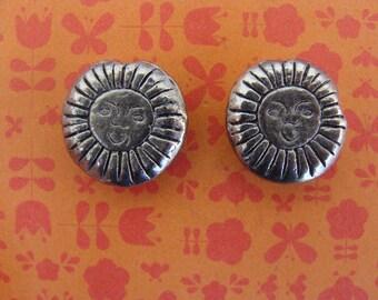 Set of 4 beads 13mm diameter silver metal