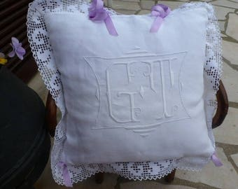 """MONOGRAMS - GT -"" - old linen Cushion cover"