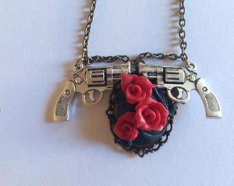 Necklace bad romance, a story that has turned bad