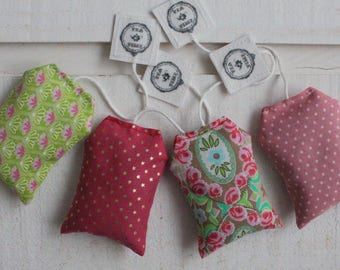 4 teabags Lavender pink & green fabric (number 11)